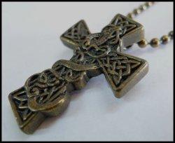 画像1: アラビアンクロス メタルネックレス真鍮色